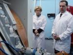 Медведеву вУфе показали циклотрон итехнологию «кибернож»