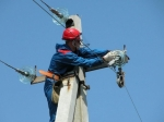 Жители нескольких районов Волгоградской области почти двое суток сидели без света итепла из-за ветра инепогоды