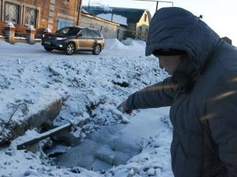 Минэкологии: Поселок Кадровик затоплен из-за разрушения канализационного коллектора