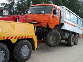 Эвакуаторы грузовых автомобилей начали работать вСочи