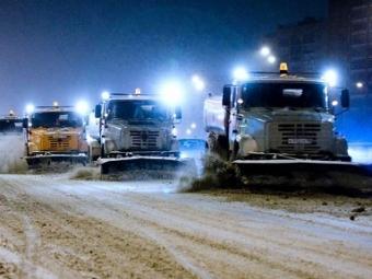 Улицы расчищают около 500 единиц техники— Снегопад вКиеве