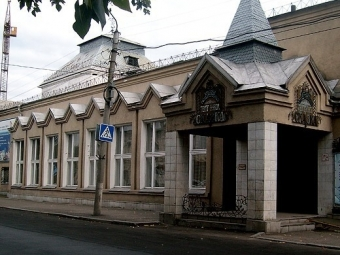 Театр кукол «Сказка» останется напрежнем месте