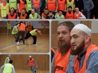 Состоялся товарищеский матч пофутболу между Казанская епархия иДуховное управление мусульман Татарстана