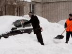 ВКурске продолжают устранять последствия обильного снегопада