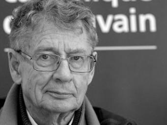 Известный африканский писатель умер вовремя полета всамолете