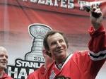Эспозито подарил президенту России картину «Путин-хоккеист»