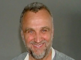 Умер известный сценарист Валерий Залотуха