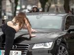 Полуголые активистки FEMEN атаковали автомобиль Стросс-Кана, прибывшего всуд поделу осводничестве