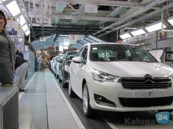 Российские автозаводы сокращают персонал иобъемы производства