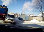 Встолице Воронежской области тепловоз врезался в«Крайслер»
