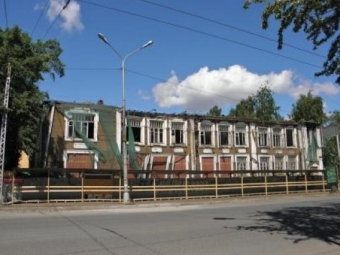 Наместе сгоревшей детской поликлиники вцентре Петрозаводска вырастет жилой дом