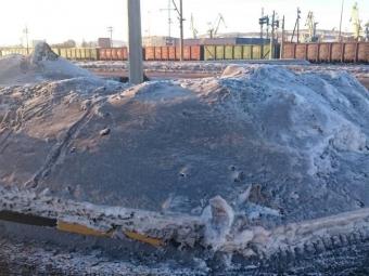 Улицы Мурманска засыпало угольной пылью