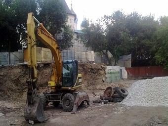 Москвичи добиваются отмены работ у Новоспасского монастыря