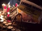 ВПариже вандалы осквернили мемориал памяти погибшим вредакции Charlie Hebdo