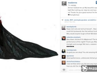 Мадонна упала насцене, выступая нацеремонии Brit Awards