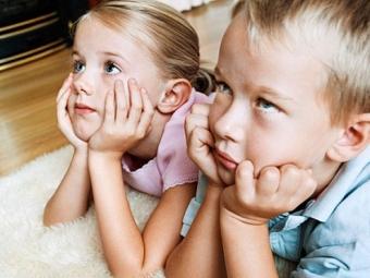 Длительный просмотр телевизора может повысить кровяное давление ребенка