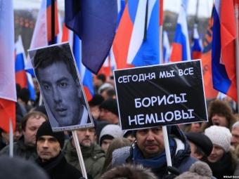 Полиция оставила наночь вОВД «Красносельское» нескольких задержанных наакции памяти Бориса Немцова