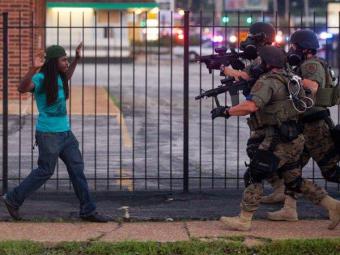 Полиция Фергюсона использует незаконные методы— Минюст США