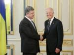 Порошенко обсудил сБайденом координацию усилий вокруг Донбасса