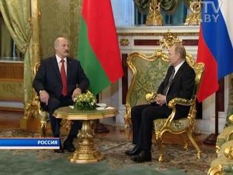 Путин наградил Лукашенко орденом Александра Невского