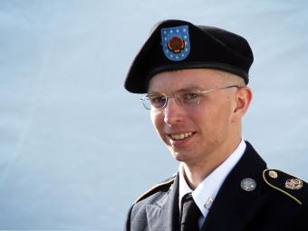 ВСША информатора Wikileaks Брэдли Мэннинга суд признал женщиной