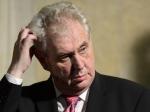 Президент Чехии нехочет оскорбить память советских воинов