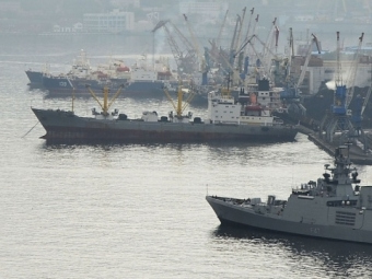 ВНовороссийском порту столкнулись 2 корабля, из-за ветра иволн: Сегодня