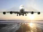 Над Парижем кружит самолет сосломанным двигателем