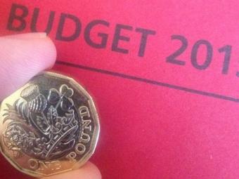 Британия будет чеканить фунты подизайну 15-летнего школьника