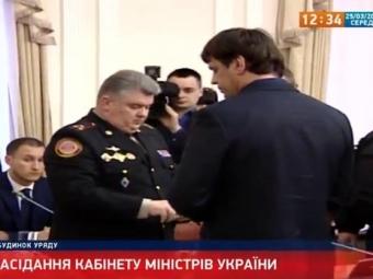 Украину грабят свои министры— Яценюк