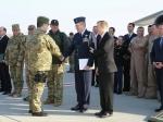 П.Порошенко пришел соружием навстречу кпредставителям США