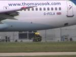 A380 Emirates подал сигнал тревоги внебе над Британией