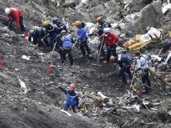 Франсуа Олланд: Выживших врезультате крушения лайнера А320, скорее всего, нет