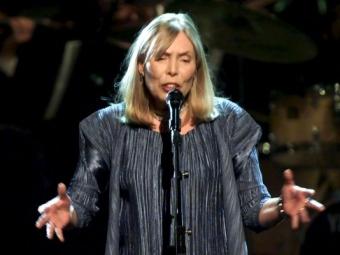 ВЛос-Анджелесе госпитализирована певица Джони Митчелл