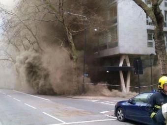 Вцентре Лондона более 2 тыс. человек эвакуированы из-за крупного пожара