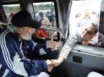 Фидель Кастро впервые за14 месяцев появился напублике
