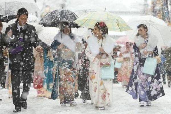 ВТокио выпал снег иустановилась зимняя погода