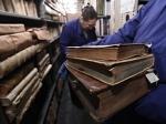Двое москвичей пытались продать 12 книг изсгоревшей библиотеки ИНИОН