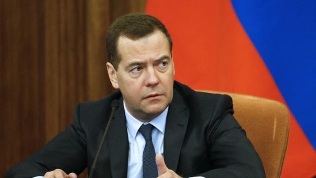 Россия поможет восстановлению Украины, новмешиваться нестанет— Медведев