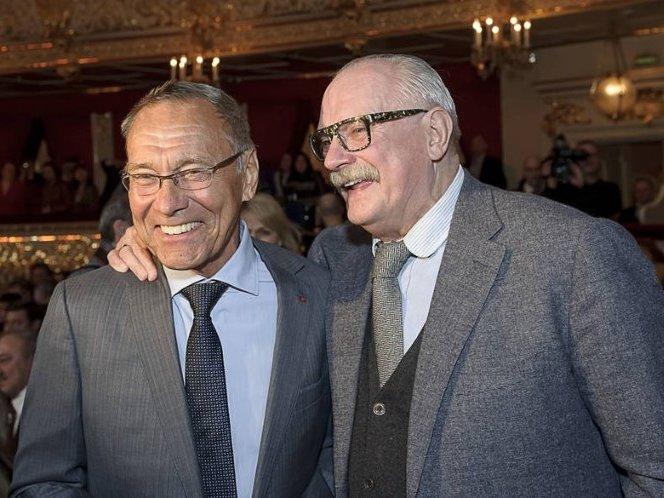 Михалков и Кончаловский хотят создать конкуренцию западному фастфуду — СМИ