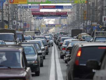 В Москве разгорелась борьба из-за рекламных перетяжек