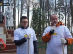 Андрей Дунаев вместе с жителями Букарева трудился на субботнике