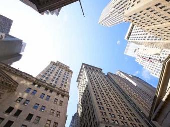 ВНью-Йорке башенный кран упал нанебоскреб