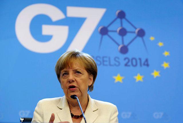 Протест против саммита G7 перерос встолкновения сполицией
