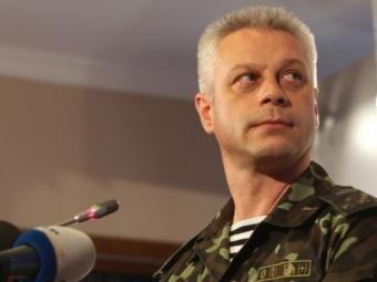Боевики изтанков иминометов вновь атакуют Марьинку, идет бой