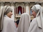 Монахини вРиме провели три дня взастрявшем лифте