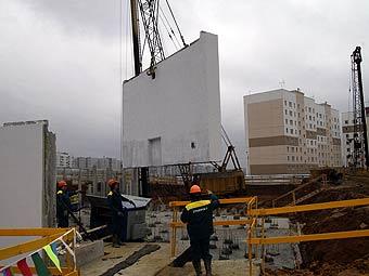 Многодетные семьи Москвы получат улучшенное жилье в 2012 г.