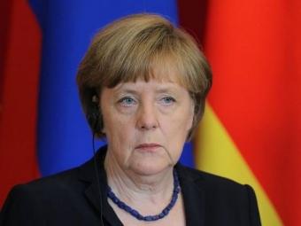 Меркель: обе стороны конфликта вУкраинском государстве нарушают перемирие