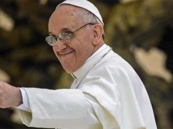 Папа Римский просит пожевать листья коки