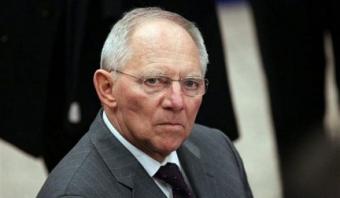 Шойбле: Сделки сГрецией дореферендума небудет